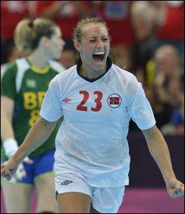 JAAAA!: Så glad ble Camilla Herrem da hun sendte Norge opp i en tomålsledelse like før slutt. Foto: Bjørn S. Delebekk, VG