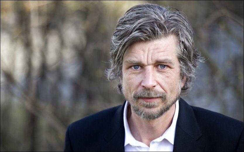 VANSKELIG: Karl Ove Knausgårds bok «Min Kamp» er en vanskelig bok å selge i utlandet. Her er han etter han fikk Gyldendalsprisen på 400.000 kroner i mars. Foto: Frode Hansen.