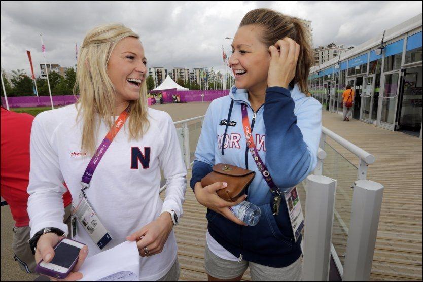 INSPIRERT: Ida Alstad og Amanda Kurtovic ble inspirert av OL-gullet til Eirik Verås Larsen. Foto: Lise Åserud, Scanpix
