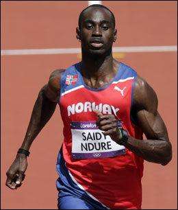 HAR TESTET DEKKET: Jaysuma Ndure har vært i aksjon to ganger i OL før han i kveld løper semifinale. Foto: NTB Scanpix