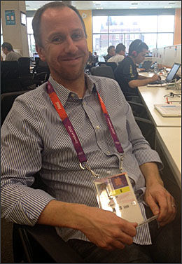 GLAD JOURNALIST 2: Stephen McMillan i The Guardian. Foto: Lillian Holden