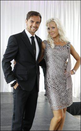 FRA UTLANDET: TV 2 har hentet inn A1-artist Ben Adams. Her er han sammen med dansepartneren Tone Jacobsen. Foto: Trond Solberg.