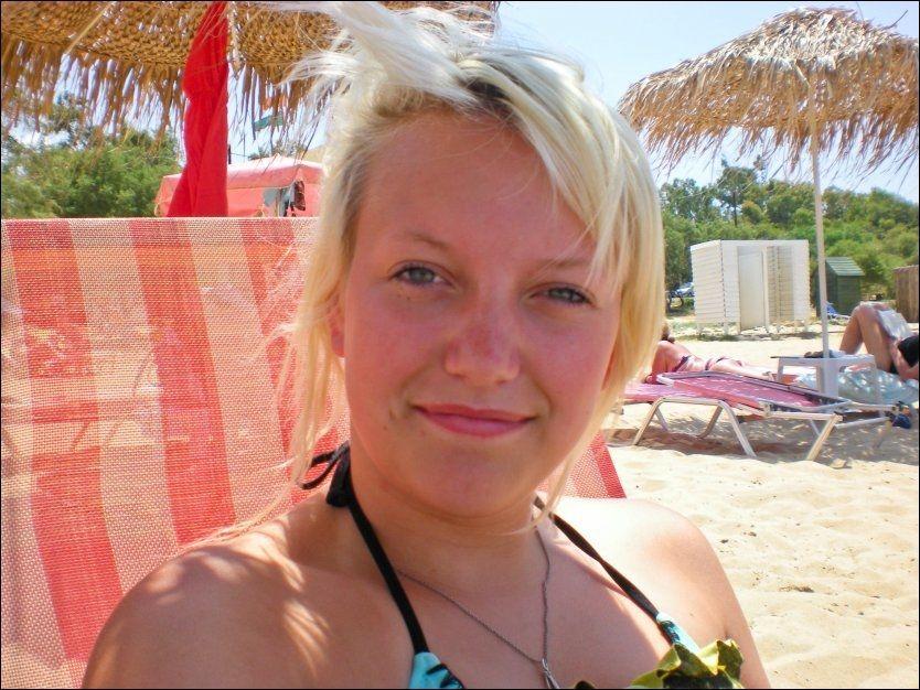 HAR IKKE GÅTT PÅ ENKELTPERSONER: 22. juli-kommisjonen har ikke hatt kapasitet til å gå inn i enkeltsaker i sin rapport fra terrorangrepene. Birgitte Smetbak døde etter tre timer med alvorlige skuddskader på Utøya. Faren hennes mener saken vil få rettslige etterspill. Foto: PRIVAT