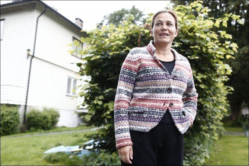 SNART KLAR: Leder for 22. juli-kommisjonen, Alexandra Bech Gjørv, på vei til kontoret i forbindelse med overleveringen av kommisjonens rapport til statsminister Jens Stoltenberg. Foto: Stian Lysberg Solum / NTB scanpix