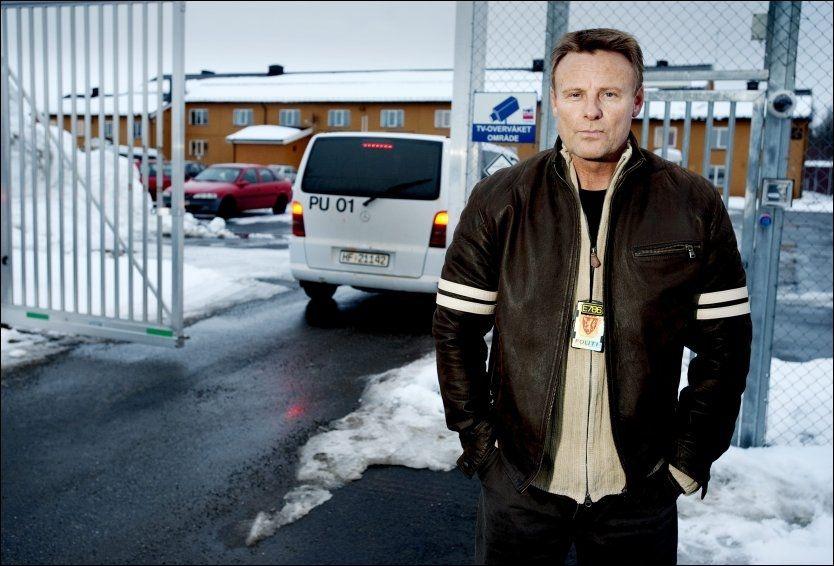 STILLER SPØRSMÅL VED AVGJØRELSEN: Hovedverneombud i PU, Einar Sagli, mener det er tette bånd mellom politimestere og Spesialenheten. Foto: Espen Braata, VG