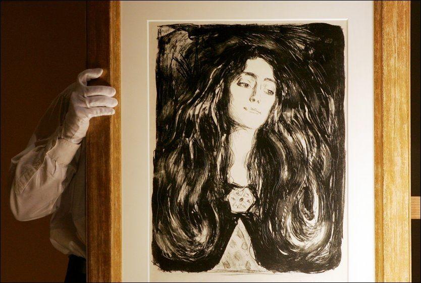 MUNCHS ELSKERINNE: Edvard Munchs «Brosjen. Eva Mudocci» fra 1903 viser Janet Webers bestemor, og Munchs elskerinne. Foto: Håkon Mosvold Larsen, NTB Scanpix.