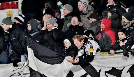 PASSES EKSTRA PÅ: Tilreisende RBK-supportere oppfordres til å være ekstra forsiktige i den polske hovedstaden. Foto: Øyvind Nordahl Næss, VG