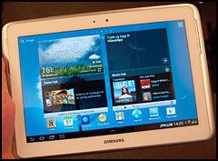 Menyene i Galaxy Note 10.1 er basert på Android 4.0 og har Samsungs egne tilpasninger over. De er enkle og gode i bruk. (Foto: Finn Jarle Kvalheim, Amobil.no)