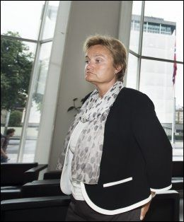 ANSVARLIG: Fornyings- og administrasjonssminister Rigmor Aasrud. Foto: Espen Braata