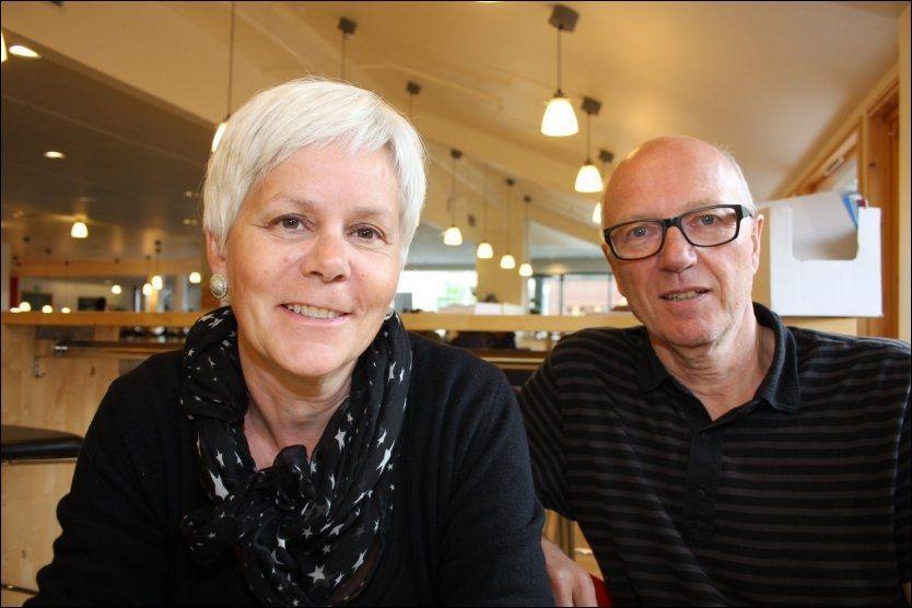 KRITISKE: Førstelektorene Kate Mevik og Fritz Leo Breivik kritiserer dagens ordning, og mener at barnefordelingssaker må tas ut av den ordinære domstolen. Foto: PER JARL ELLE, UNIVERSITET I NORDLAND