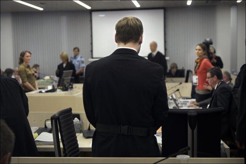 FÅR MANGE HENVENDELSER: Terrordømte Anders Behring Breivik vil sitte i isolasjon i lang tid fremover, men Ila fengsel- og forvaringsanstalt vil utarbeide et sosialt opplegg for ham. Flere har allerede meldt seg. FOTO: HELGE MIKALSEN