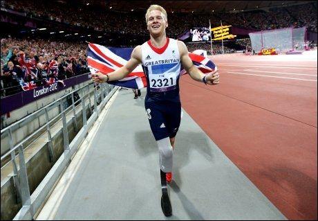 GULL: Jonny Peacock tok Paralympics-gull på 100 meter. Foto: Pa Photos