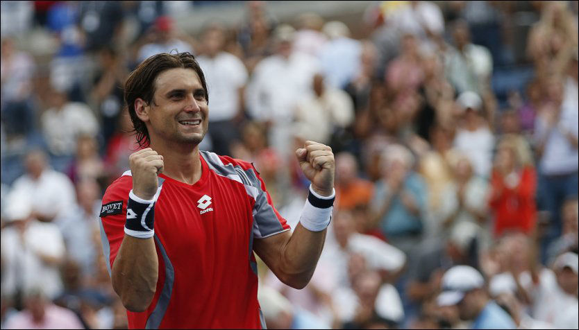 KLAR FOR SEMIEN: Spanske David Ferrer brukte fire og en halv time, men avanserte omsider i US Open i natt. Foto: AFP