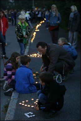 LYSVEI: Låveveien skinte i tusenvis av lys lørdag kveld. Foto: Lise Åserud, NTB Scanpix