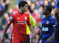 Liverpool krever at Suarez tar Evra i hånda