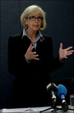 - BØR GÅ: Etterlatte krevde forrige uke at helseminister Anne-Grete Strøm-Erichsen burde trekke seg etter de mange skandalene på Ahus. Foto: Erlend Aas, NTb Scanpix