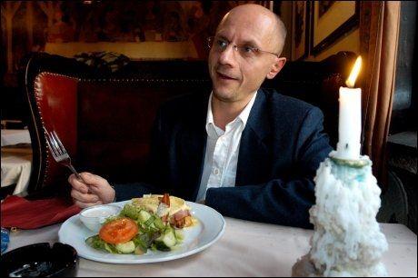 FEMINISTISK LIKESTILLING: Professor Runar Døving mener arbeidet menn gjør i hjemmet får for liten oppmerksomhet. Han mener likestillingen handler for mye om feminisme. FOTO: TORE BERNTSEN