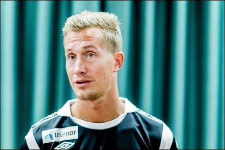 UTE: Morten Gamst Pedersen var i troppen mot Hellas i august, men har ikke fått tillit siden det. Foto: NTB Scanpix