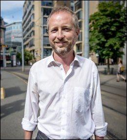 MÅ SVARE: Miljørvernminister Bård Vegar Solhjell må forsvare Norges unike lovforbud overfor ESA. FOTO: KRISTIAN HELGESEN / VG