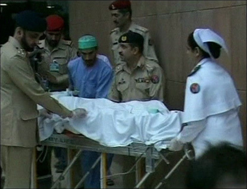 FREMME I STORBRITANNIA: Nå får 14 år gamle Malala legehjelp - og støtte fra den britiske utenriksministeren. Bildet er fra et sykehus i Rawalpindi i Pakistan. Foto: Reuters