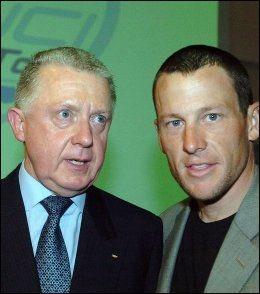 TETTE BÅND: Hein Verbruggen (t.v.) skal ifølge flere ha utviklet tette bånd til Lance Armstrong. Foto: AP