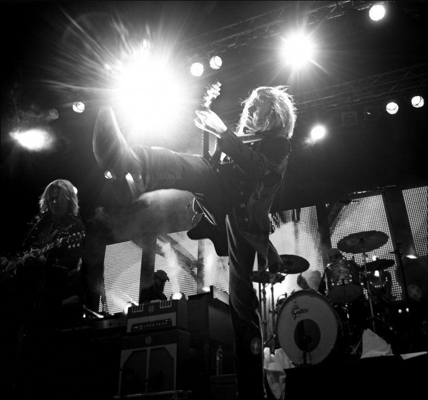 STÅR STERKT: Hellbillies lever opp til sin egen standard på sitt tiende album. Her ved brødrene Aslag (t.v.) og Lars Håvard Haugen. Foto: EMI