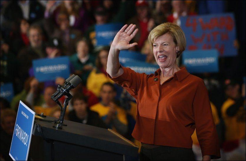 SEIER: Demokratenes Tammy Baldwin ble valgt inn i det amerikanske senatet under årets valg, og er dermed USAs første åpent homofile senator. FOTO: AFP