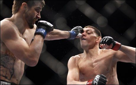 HAR KNOCKOUTPUNSJ: Carlos Condit slo bråkebøtta Nick Diaz på poeng i februar, men slo før det ut både Kim Dong-Hyun og Dan Hardy på knockout. Foto: AP