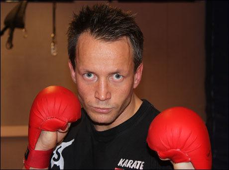 GULL PÅ HJERNEN: Steffen Larsen har ikke tenkt på stort annet enn karate-VM de siste månedene. Foto: Per Opsahl