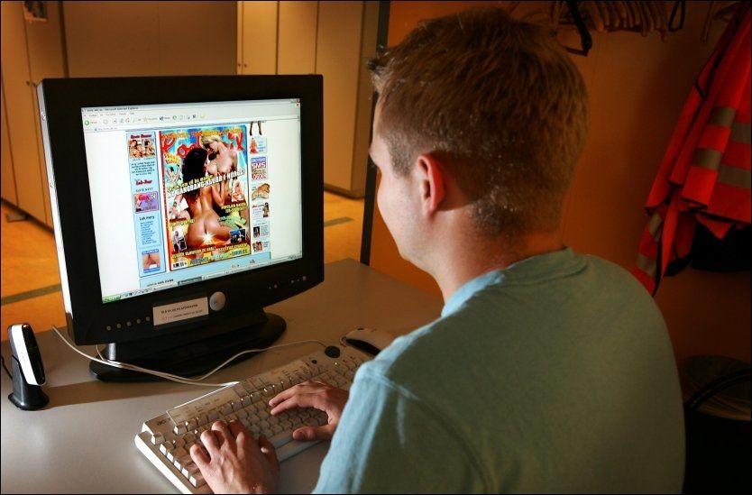 PORNOSURFING: Forskere slår alarm om norske barn som surfer på pornografi på nettet. Foto: Jan Petter Lynau/VG