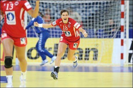 NORSK JUBEL: Linn-Kristin Riegelhuth Koren jubler for et av sine mål i Beograd. Foto: NTB Scanpix