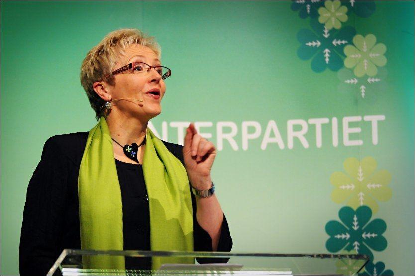 LEGGER OM: Sp og partileder Liv Signe Navarsete gjør nå EØS til en viktig sak i sin valgkamp. Foto: Geir Otto Johansen/VG