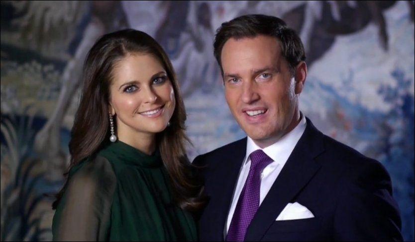 GIFTEKLARE: Slik så prinsesse Madeleine og Chris O'Neill ut i videoen der de offentliggjorde sin forlovelse tidligere i høst. Foto: Kongahuset.se