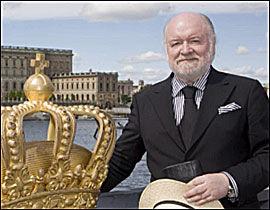KONGEHUSEKSPERT: Kjell Arne Totland foran Stockholms slott, der vielsen skal finne sted. Foto: PRIVAT