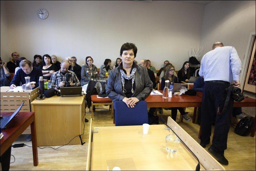 I VITNEBOKSEN: Ragnhild Gjerstad gjør seg her klar til å vitne mot datteren i Tønsberg tingrett. Datteren var tiltalt for ikke å ha grepet inn i mishandlingen mot Christoffer. Foto: Alf Øystein Støtvig, VG