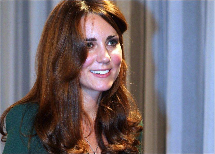 GRAVID: Hertuginne Kate (31) - her på en tilstelning i London før jul. Foto: AP