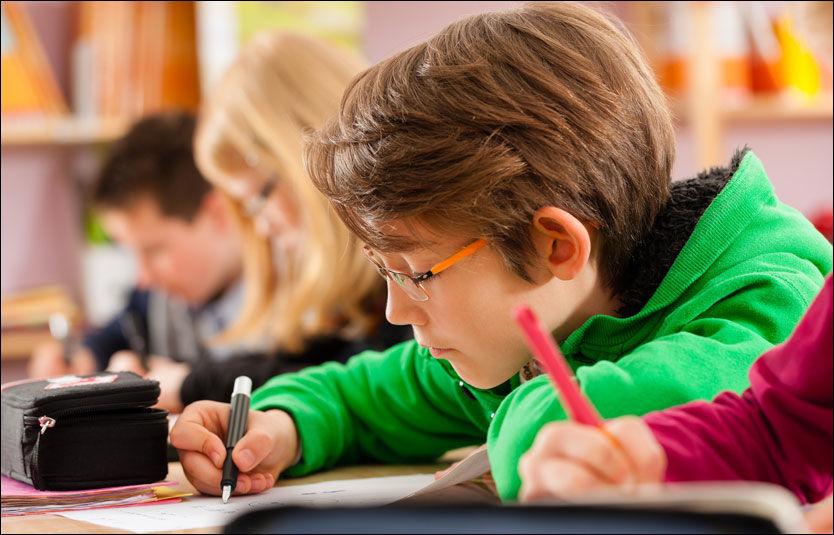FÅR BEDRE RESULTATER: En ny analyse viser at skoler som fritar mange svake elever fra nasjonale prøver, kan vise til bedre resultater enn de som ikke gjør det. Illustrasjonsfoto: NTB SCANPIX Foto: