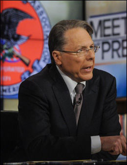 GAL MANN: Wayne LaPierre fra NRA sa tidligere i vinter at den eneste som kan stoppe en gal mann med våpen, er en god mann med våpen. Foto: Handout/Reuters