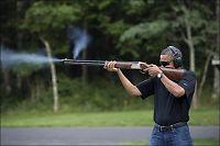 Her skyter president Obama med hagle