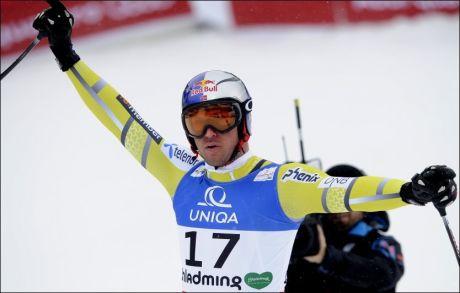 I SÆRKLASSE: Aksel Lund Svindal leverte en utfor på et helt annet nivå enn konkurrentene. Dermed tok han sitt femte VM-gull i karrieren - det andre i utfor. Foto: AFP PHOTO / SAMUEL KUBANI