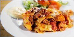 DAGENS RETT, lasagne med salat, 89 kr.