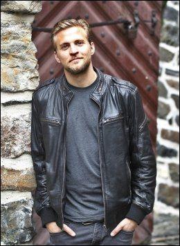 FILMAKTUELL: Tobias Santelmann har mange jern i ilden for tiden. Foto: Nils Bjåland, VG