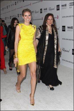 PÅ VEI TIL ELTON JOHN-FEST: Heidi Klum ankommer Elton John Aids Foundation Viewing Party. Foto: Pa Photos