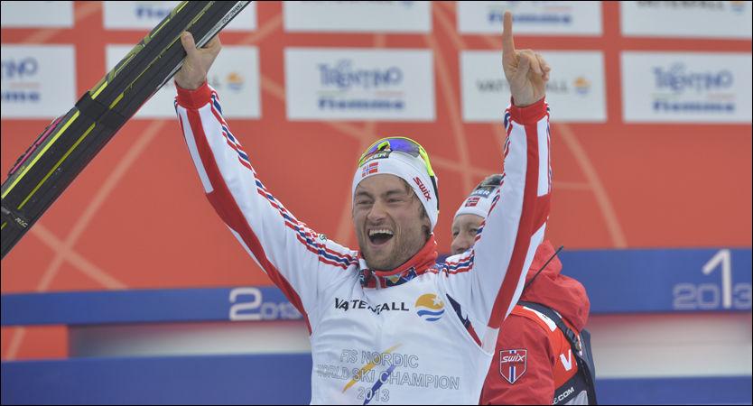 JUBELGUTT: Petter Northug hadde et smil som gikk fra øre til øre etter målgangen på dagens løp. Foto: Bjørn S. Delebekk