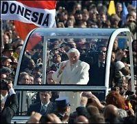 Hundretusenvis møtte opp til pavens siste opptreden