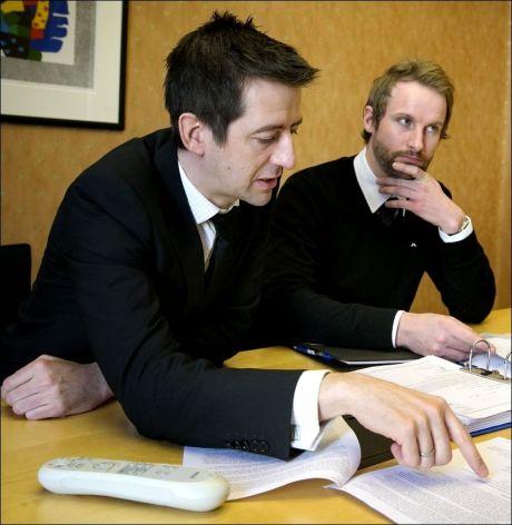 STUSSER: Bistandsadvokatene Espen Rekkdal og Klaus Munkeby mener at KFV gir ulikts rettsvern til statsansatte og tilfeldige bombeofre.