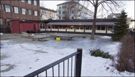 LAGT NED: Folkehelseinstituttets barnehage holdt til i et ombygget eldre brakkebygg. I 2012 ble driften av barnehagen overtatt av Oslo kommune. Foto: Roger Neumann