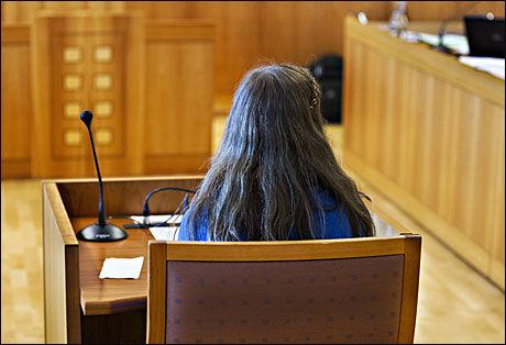 - FLAUT: Den 17 år gamle jenta sa i et intervju til VG i forrige uke at hun gruer seg til Skype-samtalene blir tema i retten. - Jeg angrer så fryktelig på det jeg har skrevet. Det er forferdelig flaut, og jeg gruer meg til dette skal komme opp igjen, sa jenta. Foto: Roger Neumann / VG