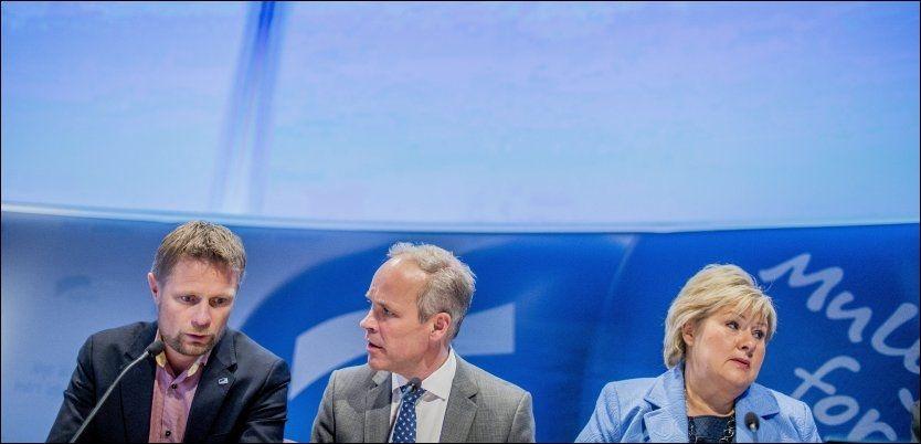 NEDERLAG: Høyre-leder Erna Solberg og nestlederne Bent Høie og Jan Tore Sanner ble med overveldende flertall nedstemt av sitt eget parti i abortspørsmålet på Høyes landsmøte i dag. Foto: NTB/SCANPIX