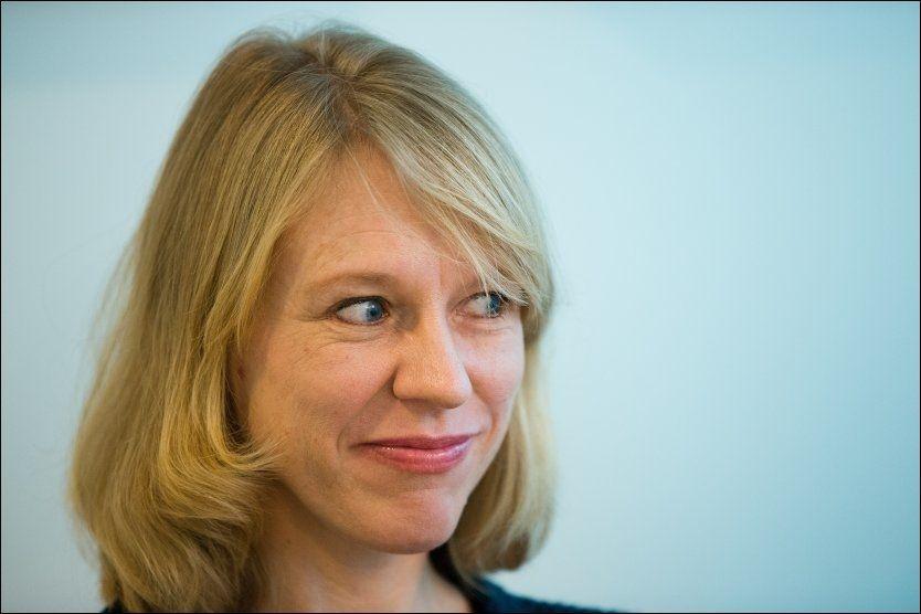 FORNØYD: Arbeidsminister Anniken Huitfeldt mener utgiftene man sparer på lavere sykefravær vil komme felleskapet til gode, i form av mer penger til blant annet sykehus og skole. Foto: JAN PETTER LYNAU